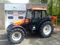 Tractor TNS75